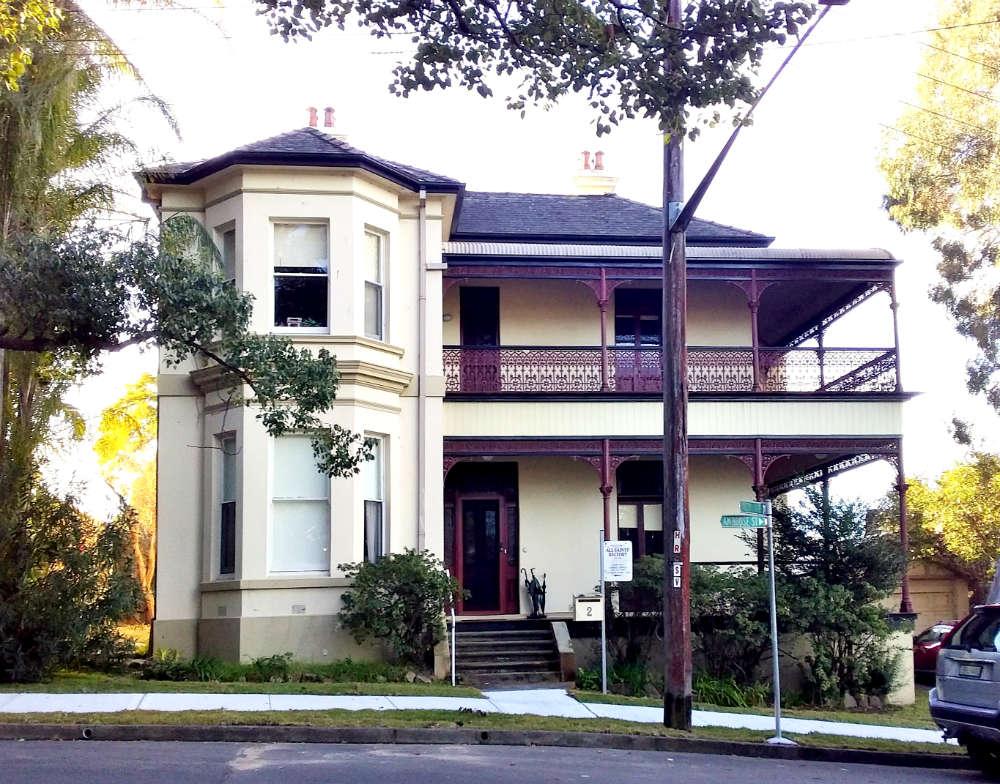 2 Ambrose Street