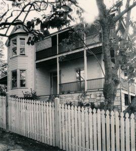4 Ambrose Street