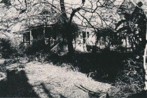 4 Lloyd Avenue