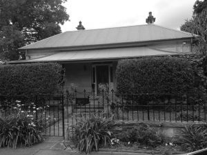 10 Moorefield Avenue
